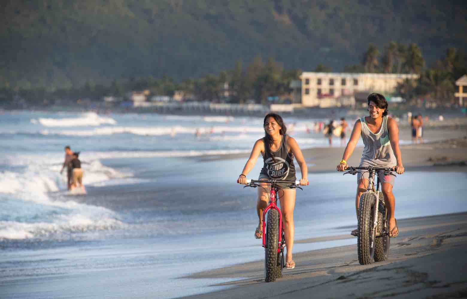 Baler - Exploring the Beach on Fat Bikes