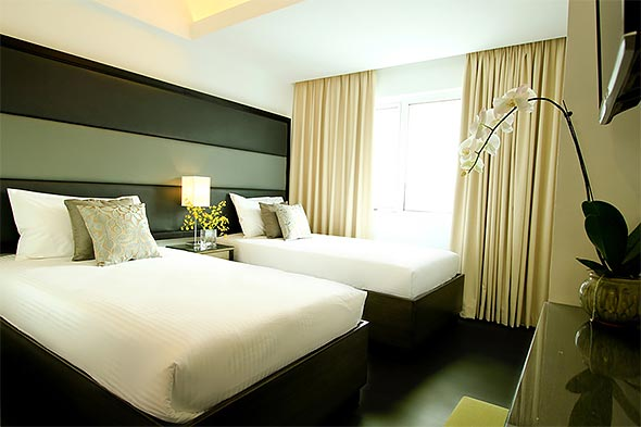 The Executive Twin Room is fitted with all the necessities for comfortable R&R within the metro