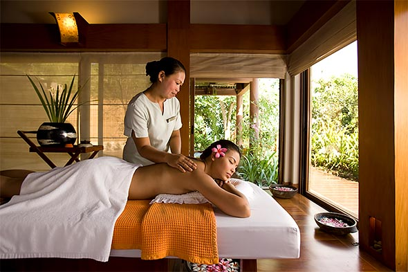 Handuraw Spa is perched on a hill with picturesque views overlooking the sea