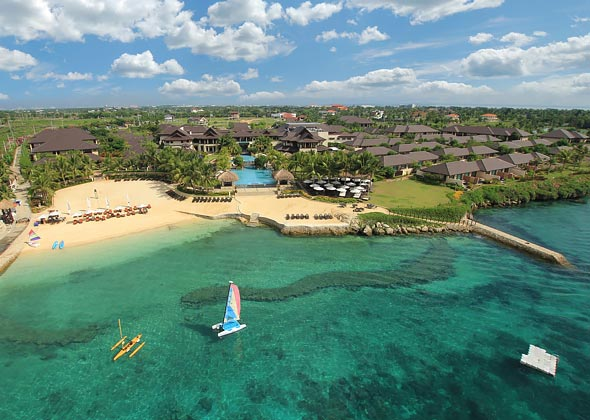 IMAGE courtesy of Crimson Resort Mactan