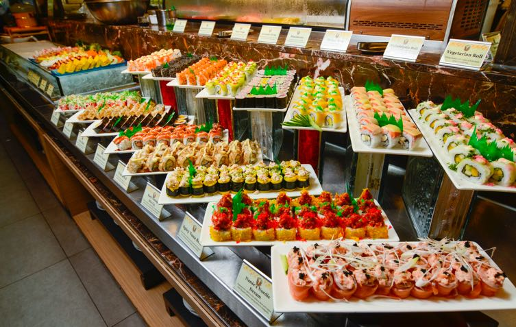 how to survive a buffet on a diet