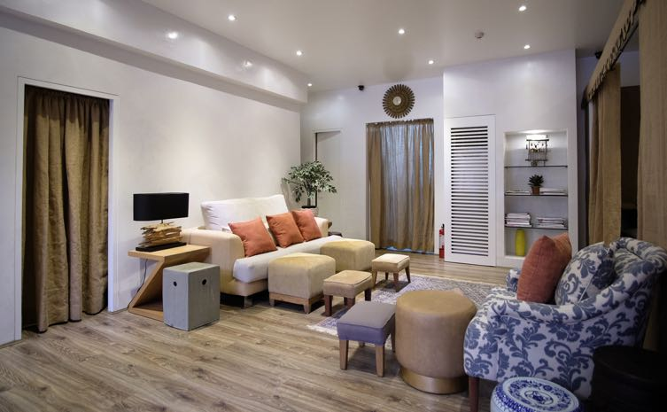 is interior design for me nail salon for me nail salon pinterest Decked out with soft, inviting couches, chic rugs, and throw pillows, Nail  Spa is basically your best friendu0027s living roomu2014that is, if your best  friend had ...