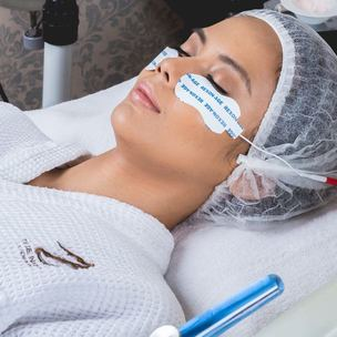 signature facial with diamond peel and resolift cover