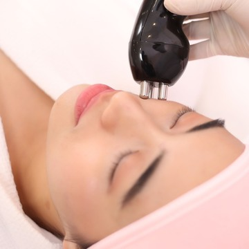 evolve rf v shape with diamond peel for the face cover 2