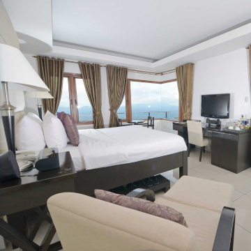 8 Suites Tagaytay Cover 2